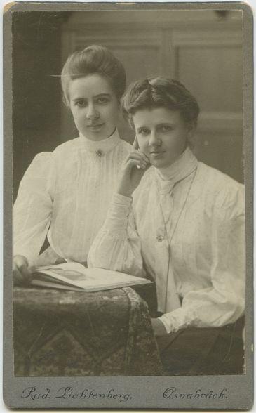 Doppelportrait von Marie Torhorst und Adelheit Torhorst