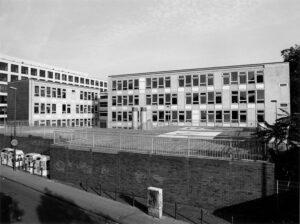 Foto von Schulgebäude Königin-Luise-Schule (KLS) in der Alten Wallgasse, Köln